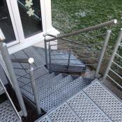 Treppe mit Geländer HL Edelstahl